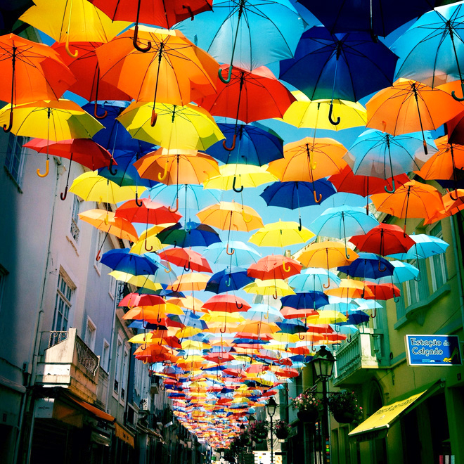 new-floating-colorful-umbrellas-in-agueda-by-ivo-tavares-studio agitagueda art festival Floating Umbrellas at Agitagueda Art Festival 1 new floating colorful umbrellas in agueda by ivo tavares studio1