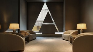 Best Fashion Designer Hotels and Suites, Armani Hotel at Dubai and Milan  best-fashion-designer-hotels-and-suites-armani-hotel-dubai-and-milan-04 best fashion designer hotels and suites armani hotel dubai and milan 04 300x168