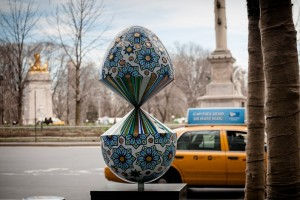 Fabergé The Big Egg Hunt New York 2014  the-faberge-big-egg-hunt-new-york-easter-faigh-ahmed the faberge big egg hunt new york easter faigh ahmed 300x200