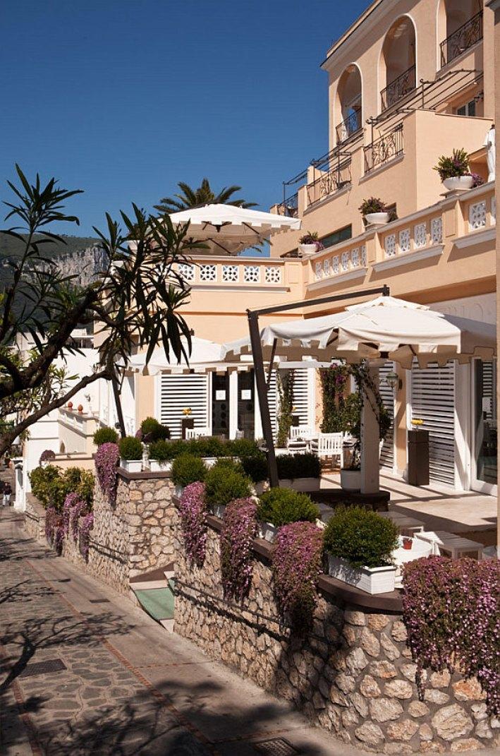 Capri-Tiberio-Palace-Hotel-Design4  Summer Holidays Hit - Charming Carpi, Italy  Capri Tiberio Palace Hotel Design4