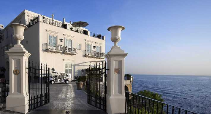 Capri-Villa-San-Michele4  Summer Holidays Hit - Charming Carpi, Italy  Capri Villa San Michele4