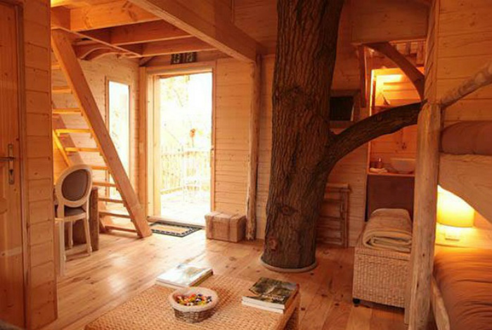 HOTEL GUIDE FOR A PARISIAN VALENTINE'S DAY  HOTEL GUIDE FOR A PARISIAN VALENTINE'S DAY Cabane Du Moulin
