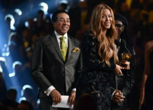 Fashion-Design-Weeks-Best-Moments-of-The-2015-Grammy-Awards-Beynce Fashion Design Weeks Best Moments of The 2015 Grammy Awards Beynce1 300x215