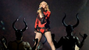 Best Moments of The 2015 Grammy Awards  Best Moments of The 2015 Grammy Awards Fashion Design Weeks Best Moments of The 2015 Grammy Awards Madonna1 300x169