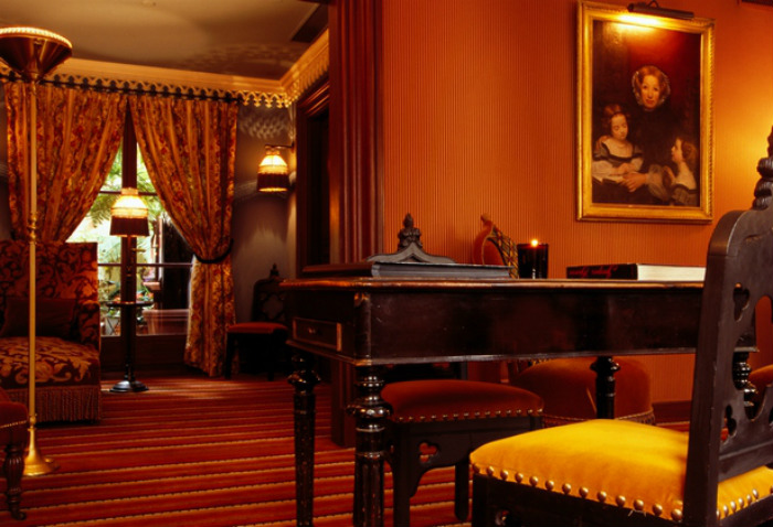 HOTEL GUIDE FOR A PARISIAN VALENTINE'S DAY  HOTEL GUIDE FOR A PARISIAN VALENTINE'S DAY bourg tibourg 3