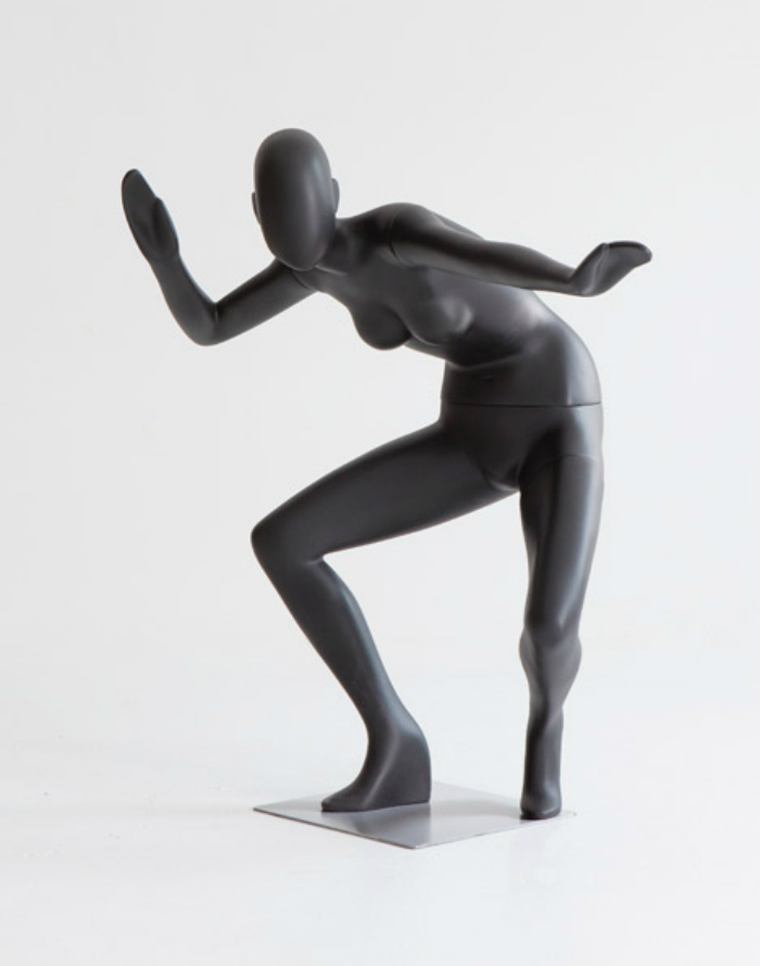 Meet Ralph Pucci´s fashion mannequins  Meet Ralph Pucci´s fashion mannequins Ralph Pucci Mannequin Exhibition dezeen 468 40