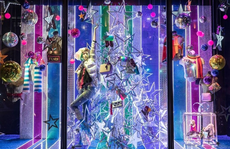 Best Design Events Presents You the Best Christmas Windows 2017 > Best Design Events > The latest news on the best design events in the world > #bestdhristmaswindows2017 #christmasdecorations #bestdesignevents Best Christmas Windows 2017 Best Design Events Presents You the Best Christmas Windows 2017 Best Design Guides Shows You the Best Christmas Windows 2017 3