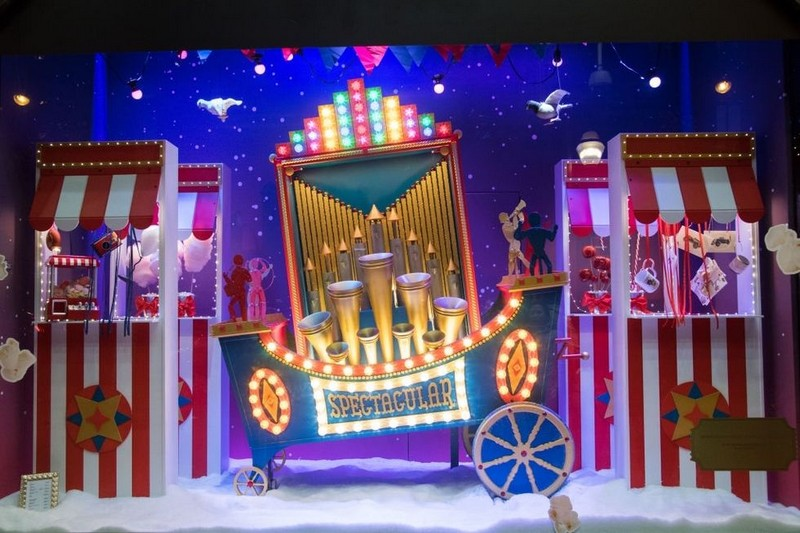 Best Design Events Presents You the Best Christmas Windows 2017 > Best Design Events > The latest news on the best design events in the world > #bestdhristmaswindows2017 #christmasdecorations #bestdesignevents Best Christmas Windows 2017 Best Design Events Presents You the Best Christmas Windows 2017 Best Design Guides Shows You the Best Christmas Windows 2017 6